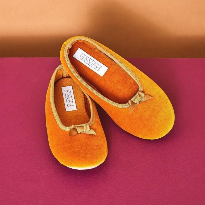 VELOURS Ballet Slippers