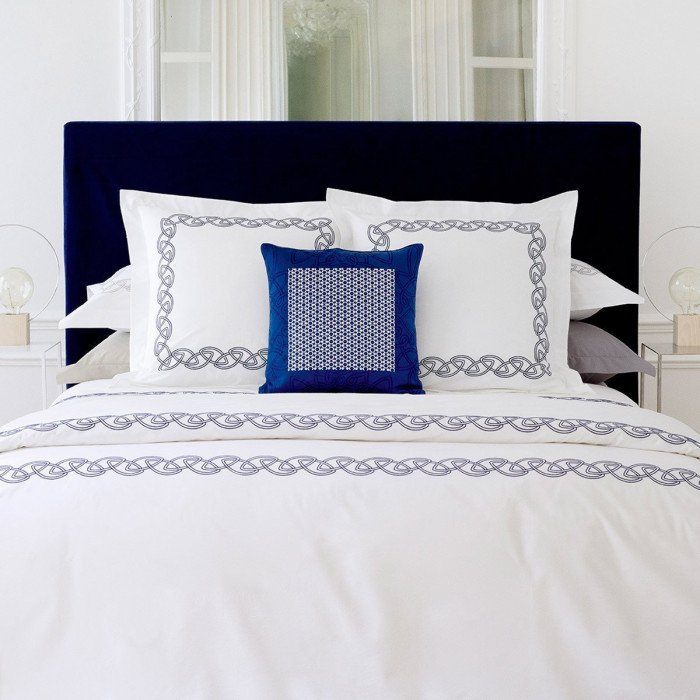 ALLIANCE Bed Series