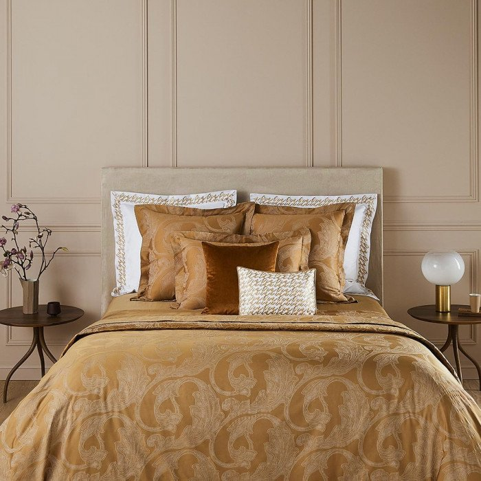 CASTEL Bed Series