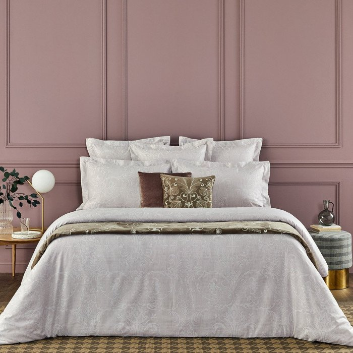 TENUE CHIC Bed Series