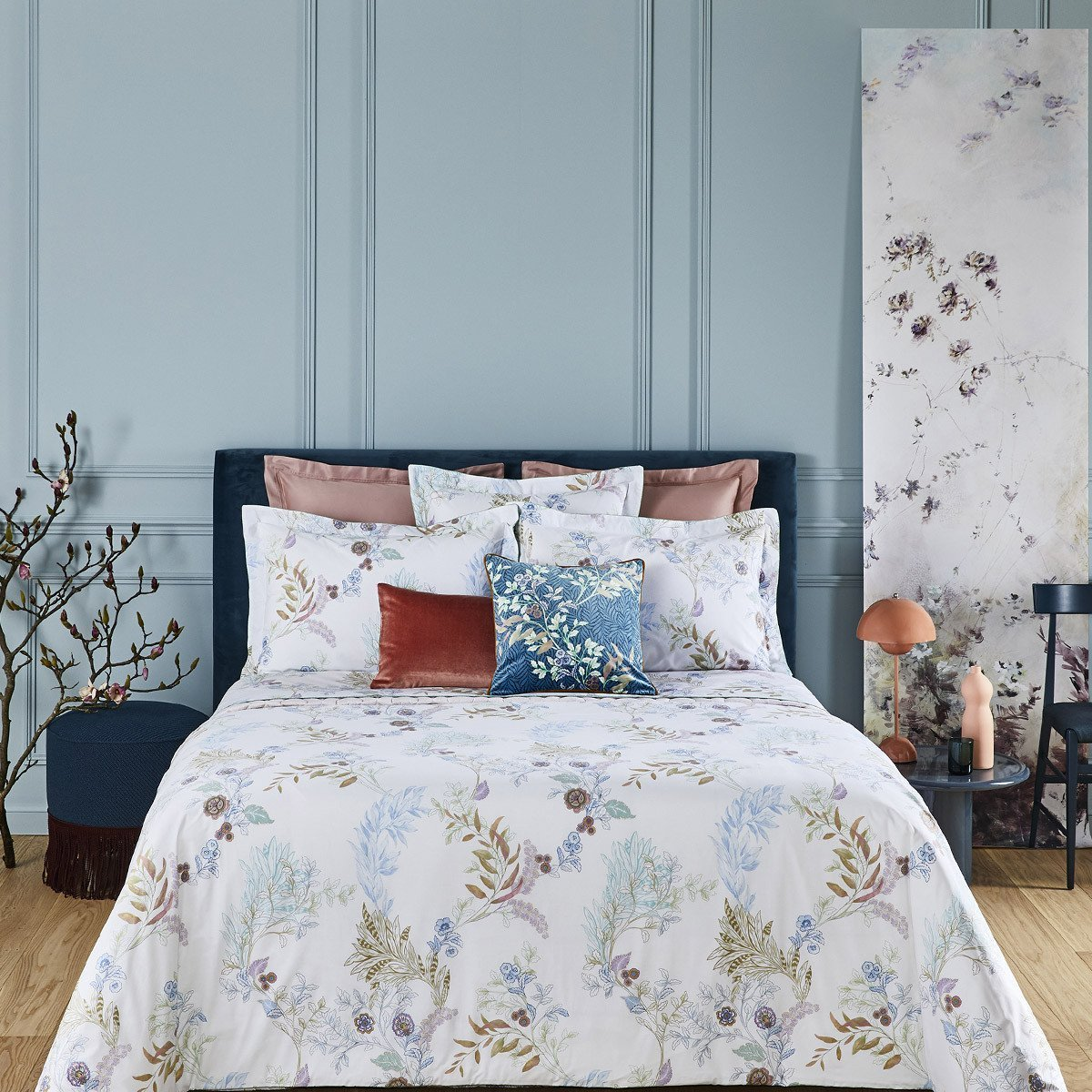 CALIOPEE Bed Series