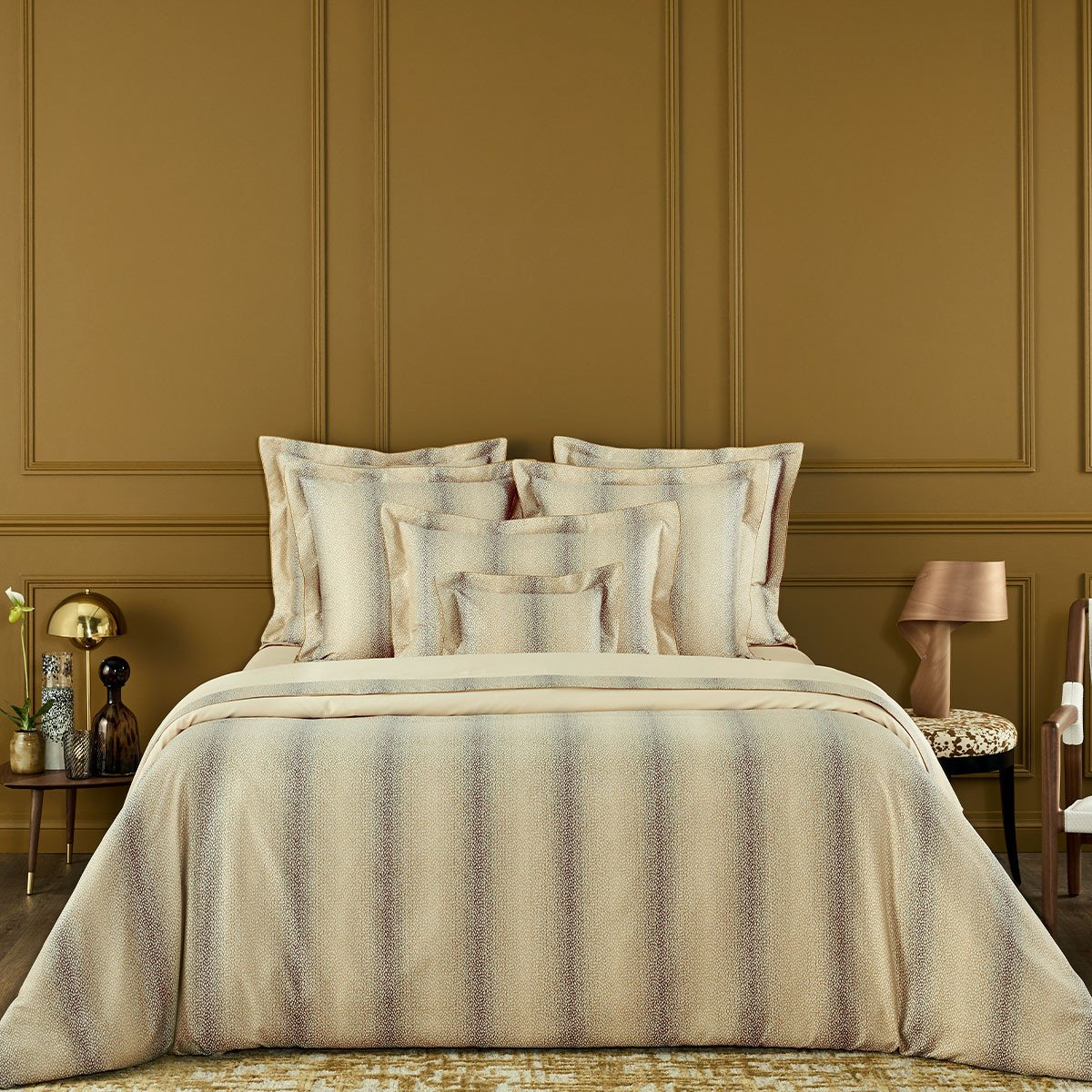 ECRIT DE LOIN Bed Series