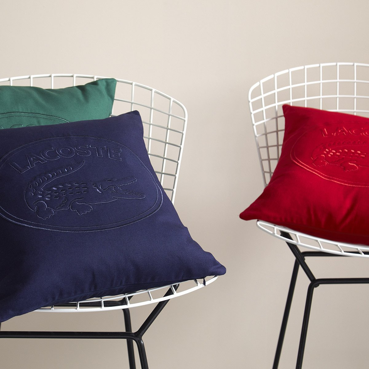 Coussin Lacoste