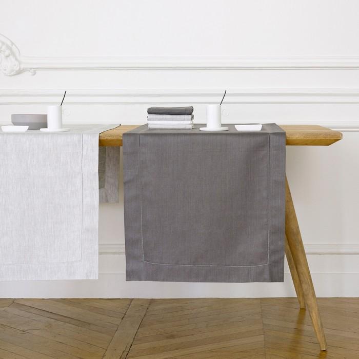 Liso Table