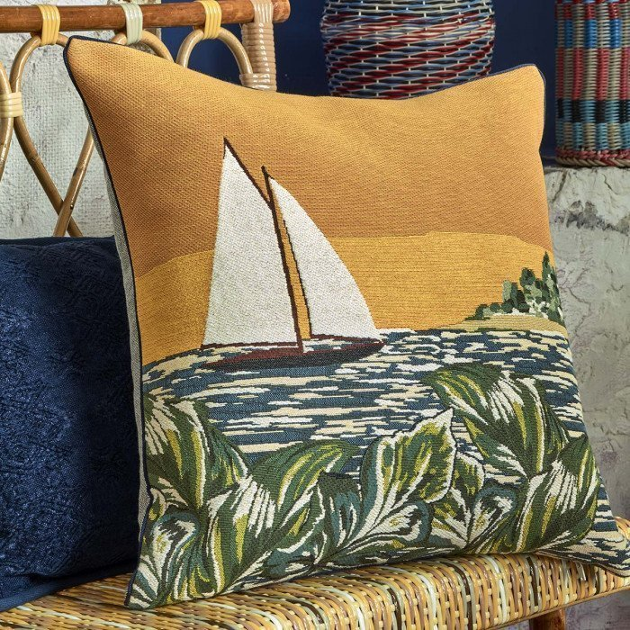 Iosis-Libertad-Soleil-Cushion Cover-Lifestyle